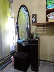 air dryer, Dressing table, Cosmetic supplies