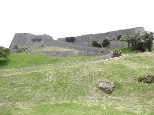 世界遺産勝連城跡へも近い沖縄市の古民家安宿ごーやー荘。